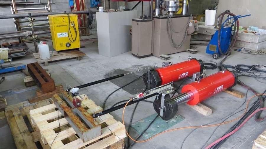 cilindri idraulici grande tonnellaggio
