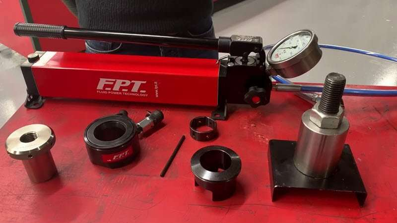 How to install and use an hydraulic bolt tensioner