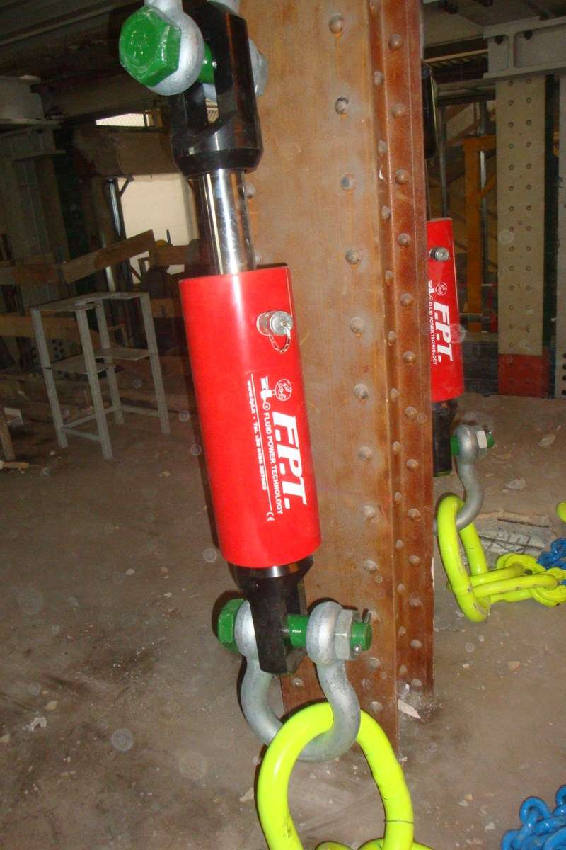 cilindro idraulico traente