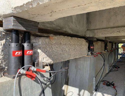 Sollevamento impalcato con i cilindri idraulici FPT