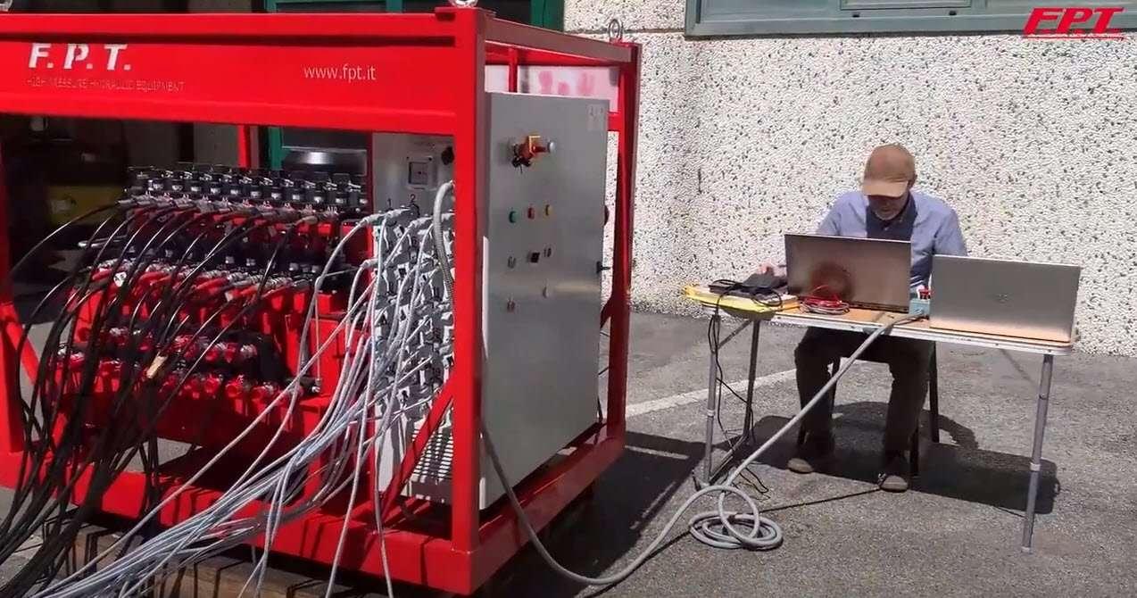 Sistema di sollevamento sincrono - sistemi di sollevamento sincroni e sincronizzati gestiti da PC