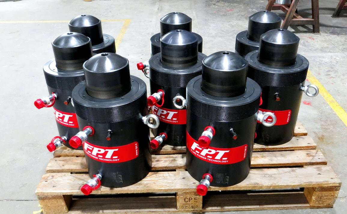custom hydraulic jacks